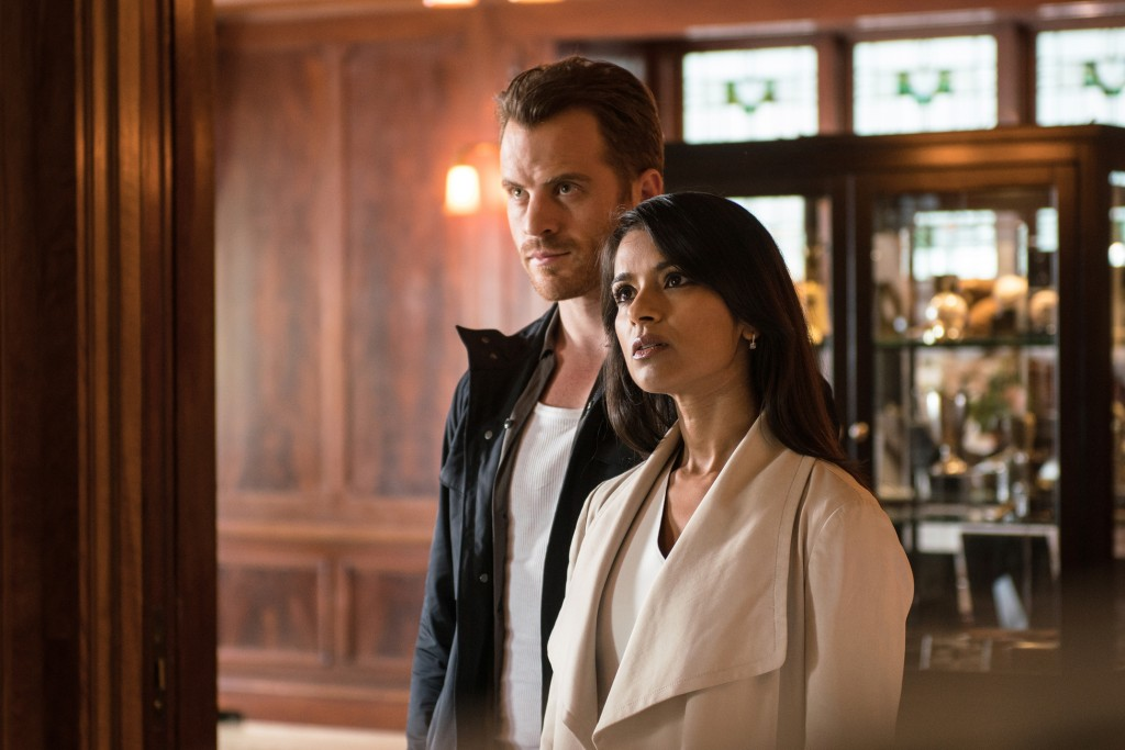 """SECOND CHANCE: L-R: Rob Kazinsky and Dilshad Vadsaria in the """"From Darkness, The Sun"""" episode of SECOND CHANCE airing Wednesday, Jan. 27 (9:00-10:00 PM ET/PT) on FOX. ©2016 Fox Broadcasting Company. Cr: Ed Araquel/FOX"""