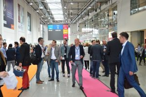 People at the digitalmarketing conference and expo, dmexco - Cologne, Germany, 2015 / shutterstock