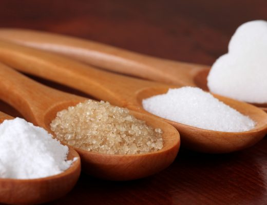 Natural sugar vs. refined sugar, learn the difference and know which is better for you