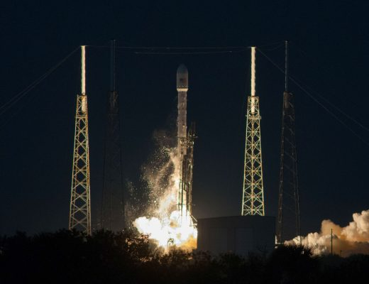 Falcon 9 liftoff - SpaceX