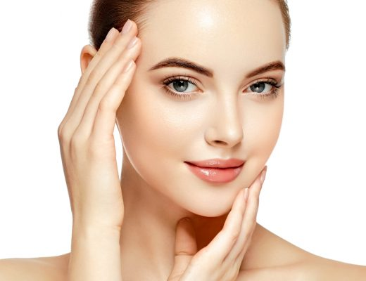 Slugging, a petroleum jelly facial mask, leaves your skin and face soft and radiant