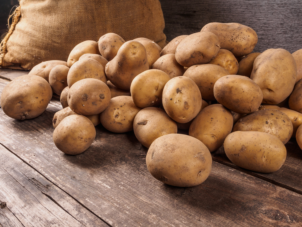 The potato has many uses, like removing rust, being a fashion statement, or even create electricity