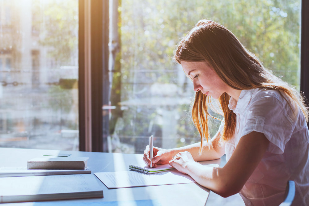 Online learning vs distance learning