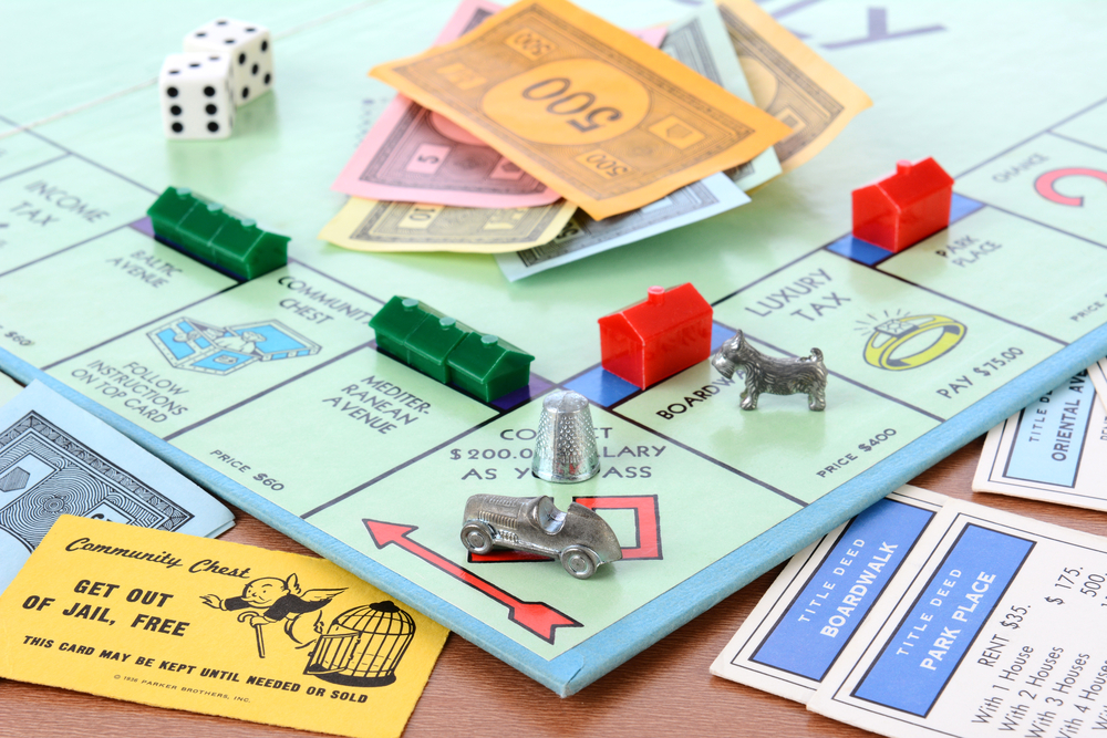 strategy on how to win monopoly