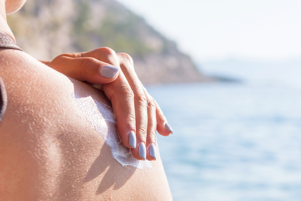Hawaii bans sunscreen containing chemicals dangerous to coral reefs