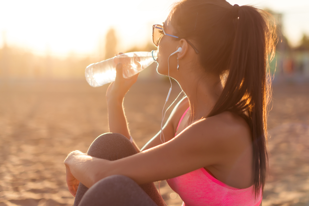 test yourself for dry skin to find out if you drink enough water and are well hydrated or suffering from dehydration