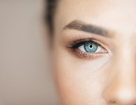 Want blue eyes, change your eye color with Stroma Medical