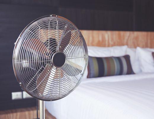 no matter how hot it gets, sleeping next to a fan is dangerous