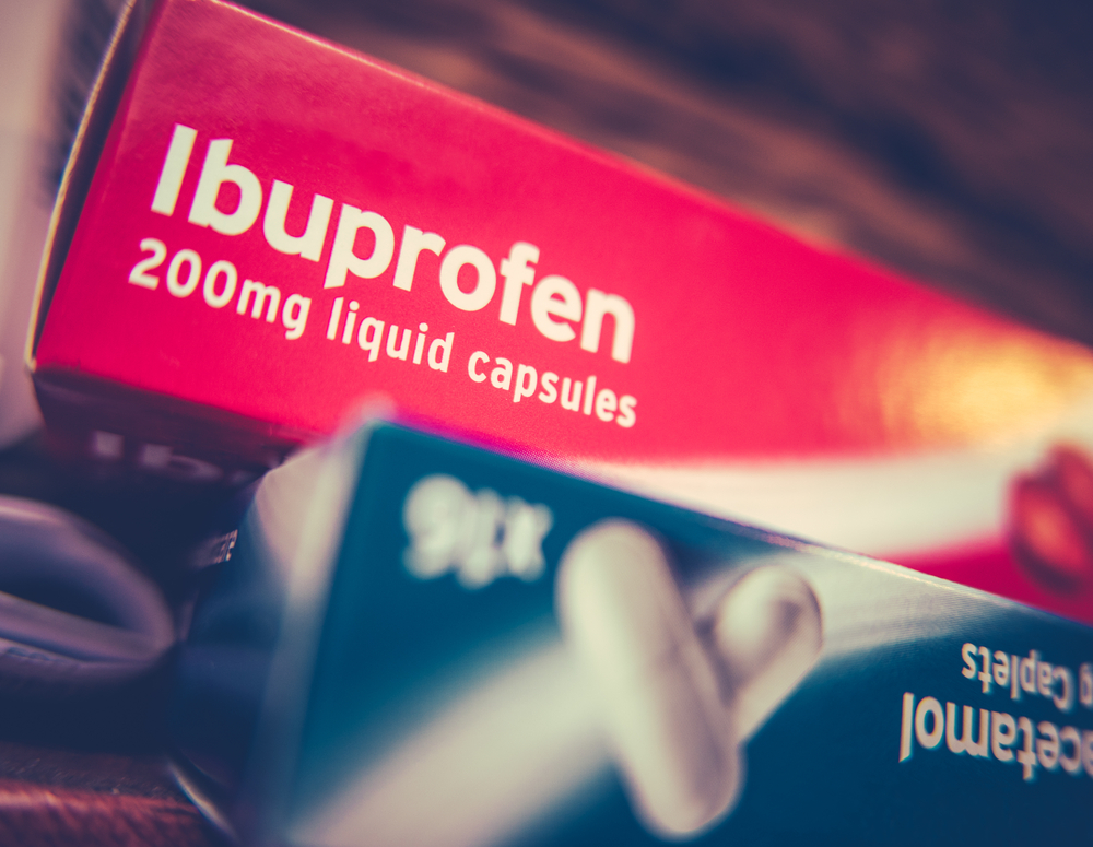 the difference between paracetamol and ibuprofen when it comes to pain and fever